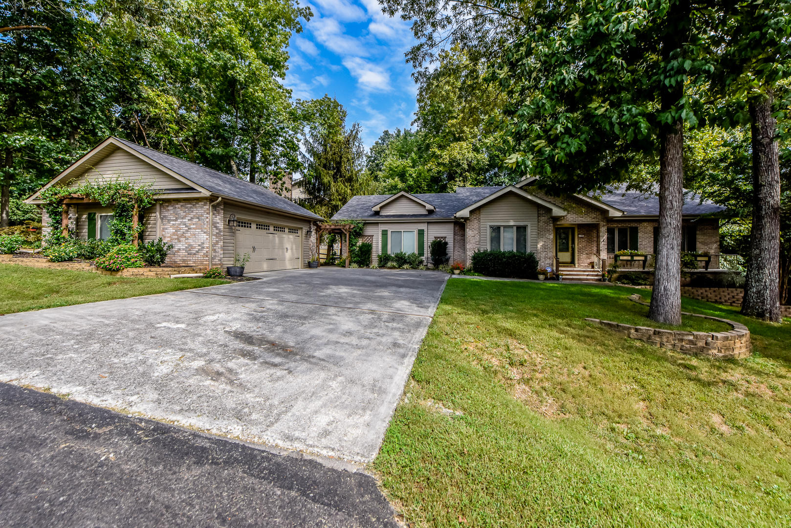 163 Cheeskogili Way, Loudon, TN 37774