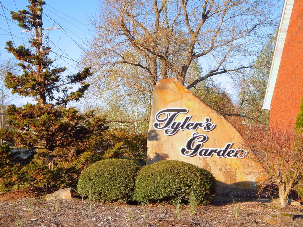 4905 Spring Garden Way, Knoxville, TN 37918
