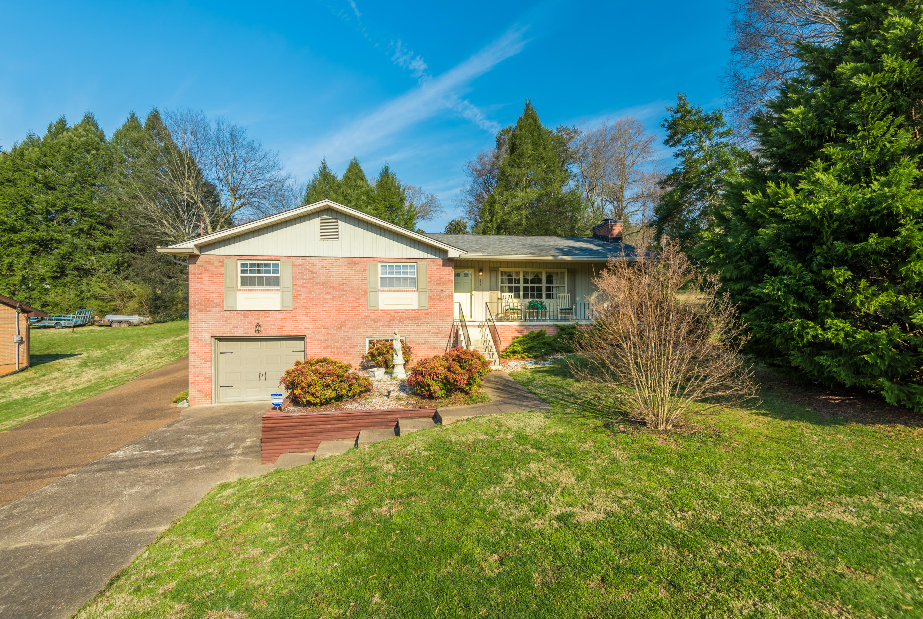 525 Greenwood Drive, Clinton, TN 37716