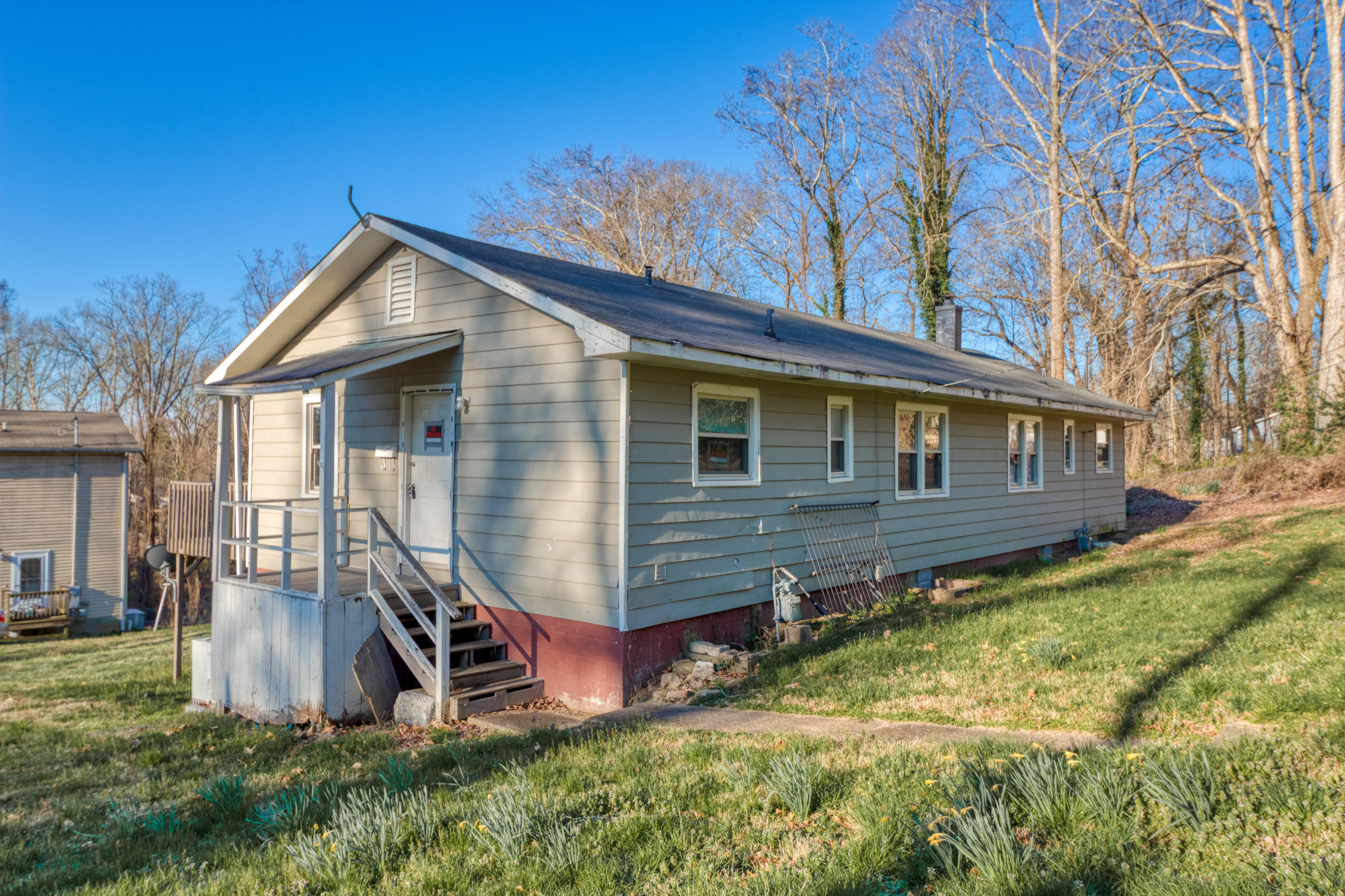 161 W Wadsworth Circle, Oak Ridge, TN 37830