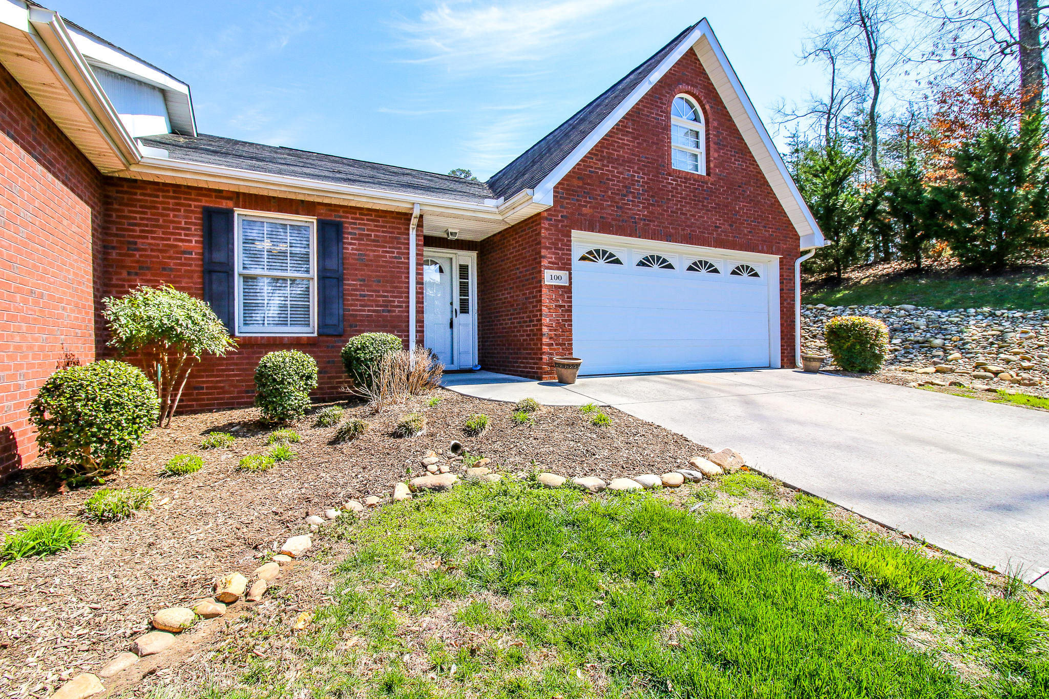 100 Honey Ridge Way, Knoxville, TN 37924