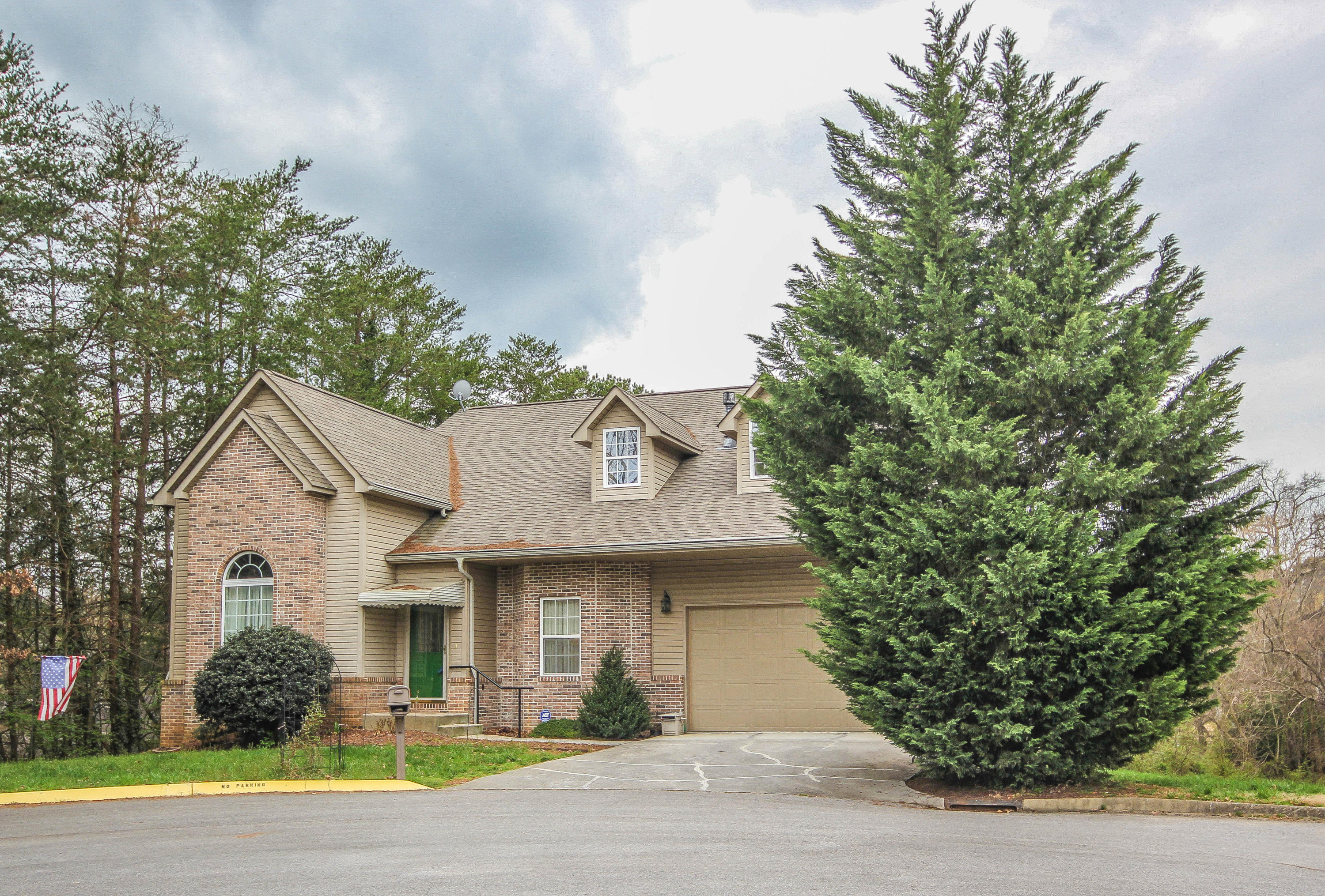 1002 Silver Creek Lane, Maryville, TN 37804