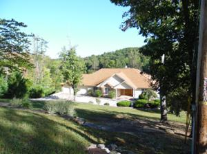 143 Pineridge Loop, Crossville, TN 38558