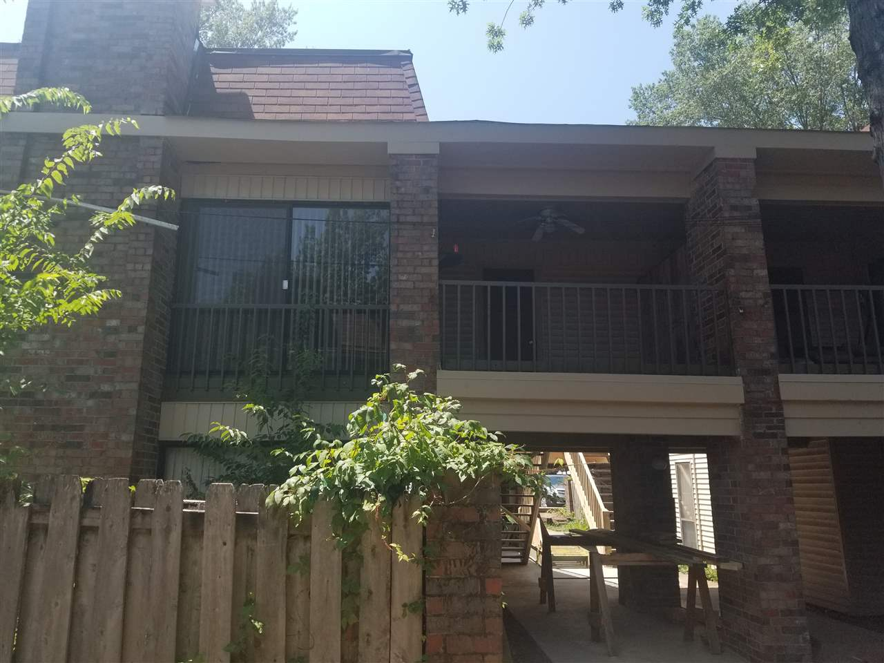 6586 S Poplar Woods, Germantown, TN 38138