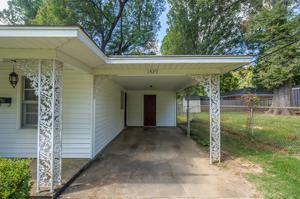 1439 Woodston, Memphis, TN 38117