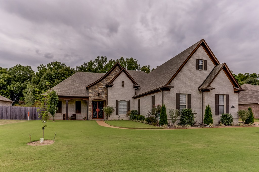 5015 Forest Oasis, Bartlett, TN 38135