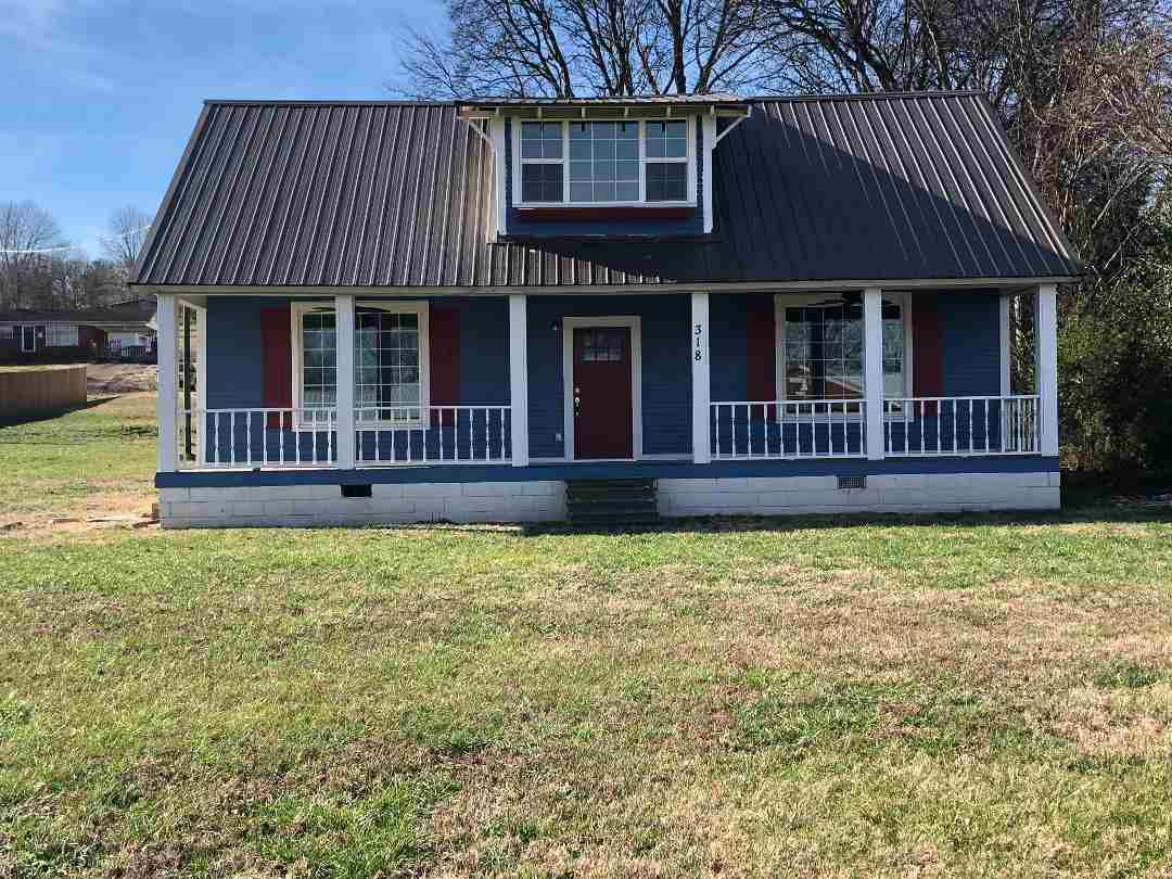 318 Church, Clifton, TN 38425