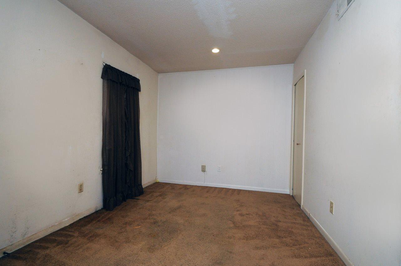 156 N Auburndale, Memphis, TN 38104