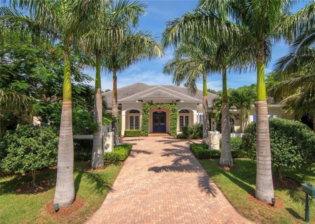 215 Estuary Drive, Vero Beach, FL 32963