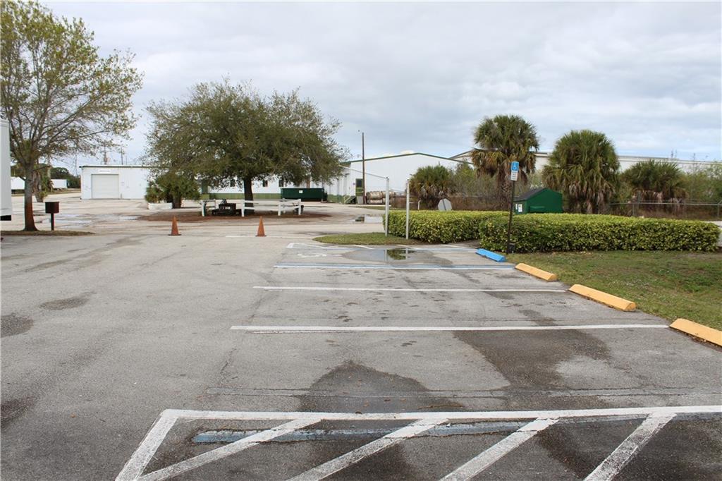 4360 Old Dixie Highway, Vero Beach, FL 32967