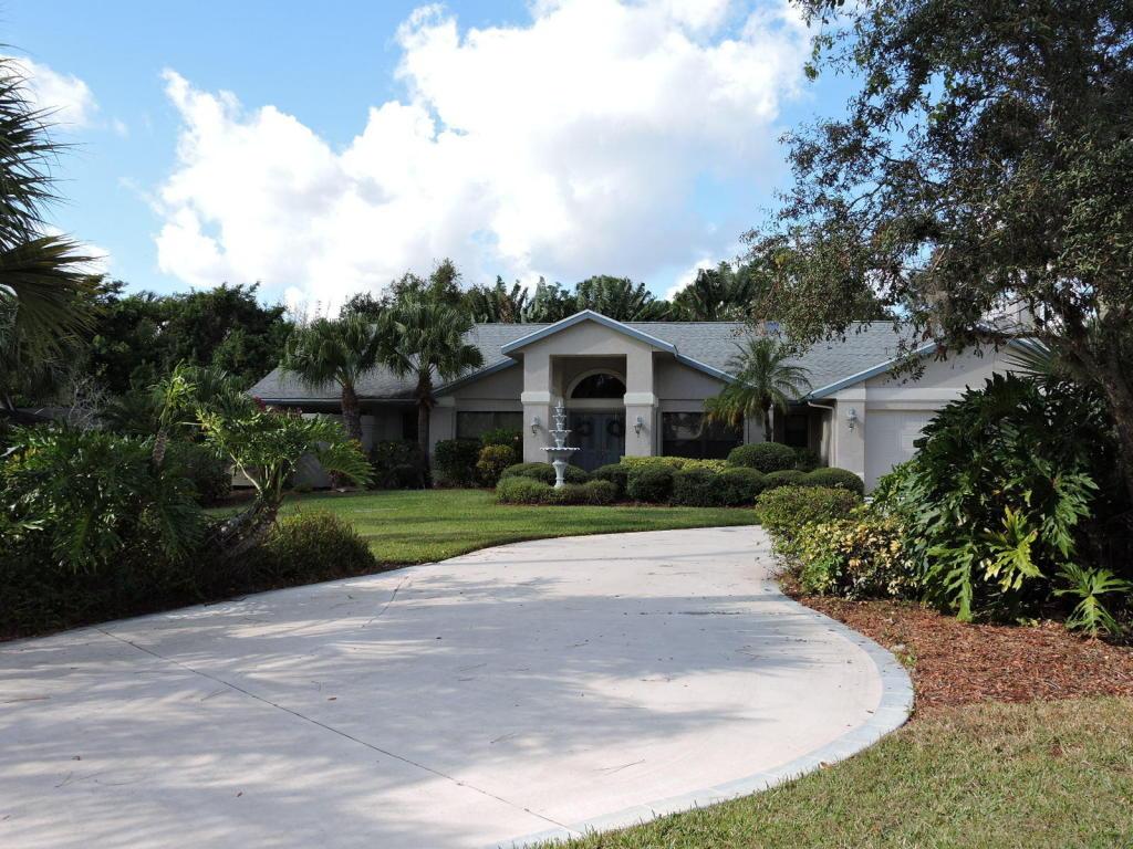 551 Se Norsemen Drive, Port Saint Lucie, FL 34984