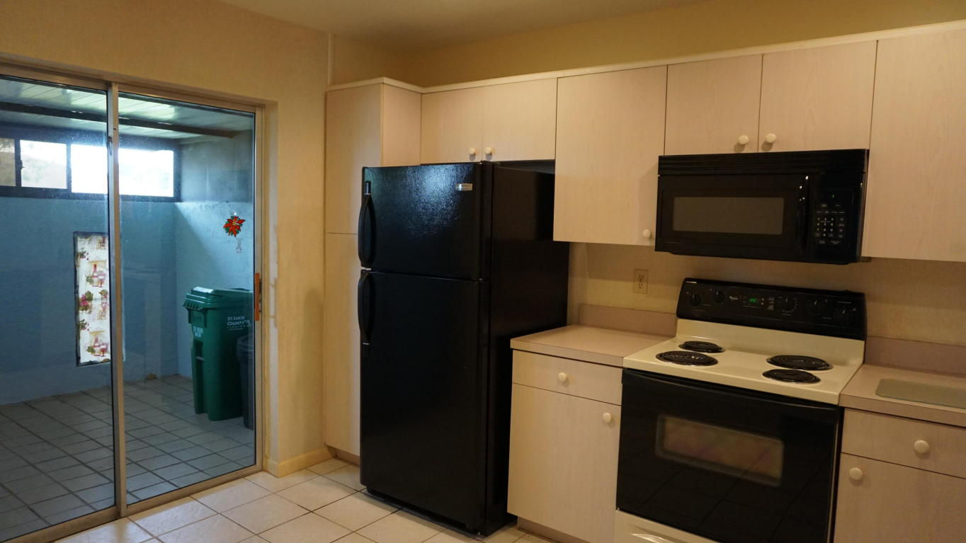 5849 Summerfield Court, Fort Pierce, FL 34982