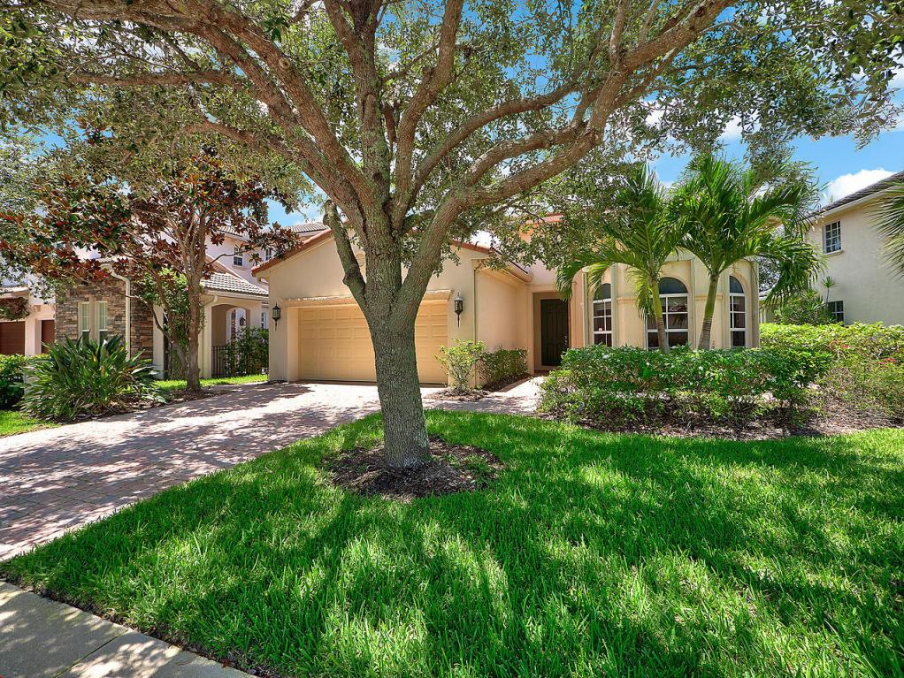 1071 Vintner Boulevard, Palm Beach Gardens, FL 33410
