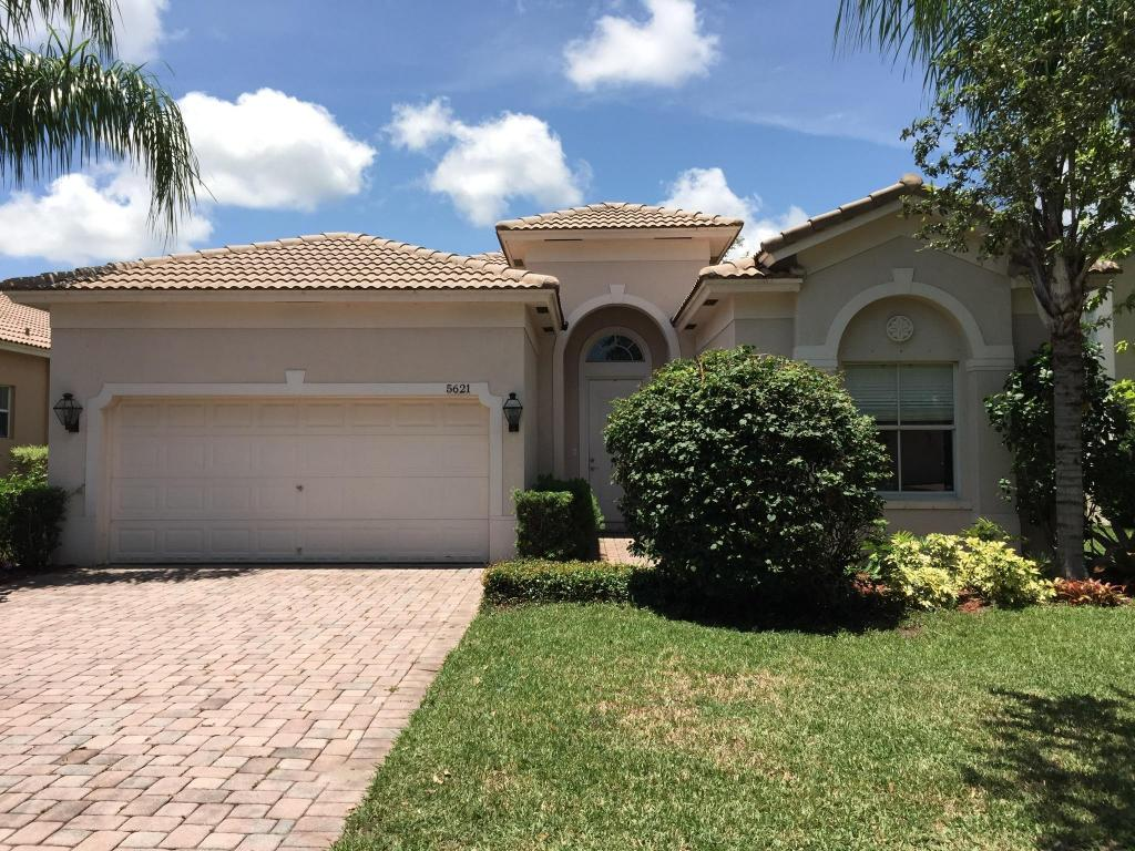 5621 Sun Pointe Drive, Fort Pierce, FL 34951