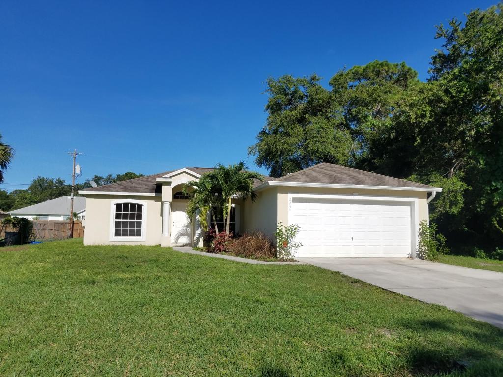 2257 Sw Matheson Terrace, Port Saint Lucie, FL 34953