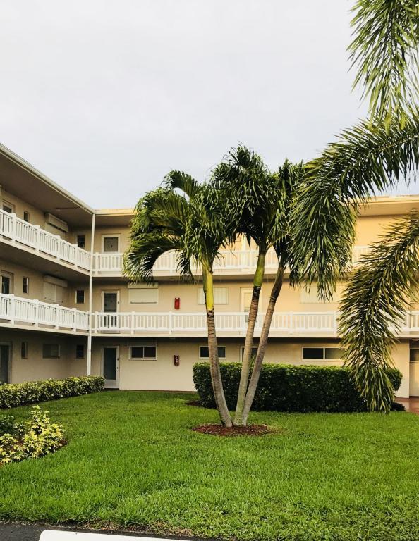 2855 Garden Drive Drive S, Lake Worth, FL 33461