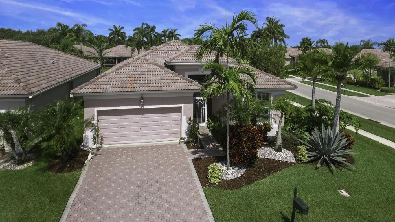 8807 Downing Street, Boynton Beach, FL 33472