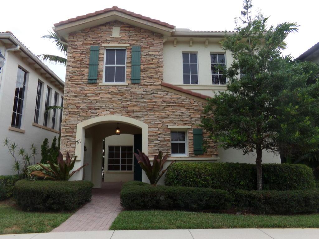 37 Stoney Drive, Palm Beach Gardens, FL 33410
