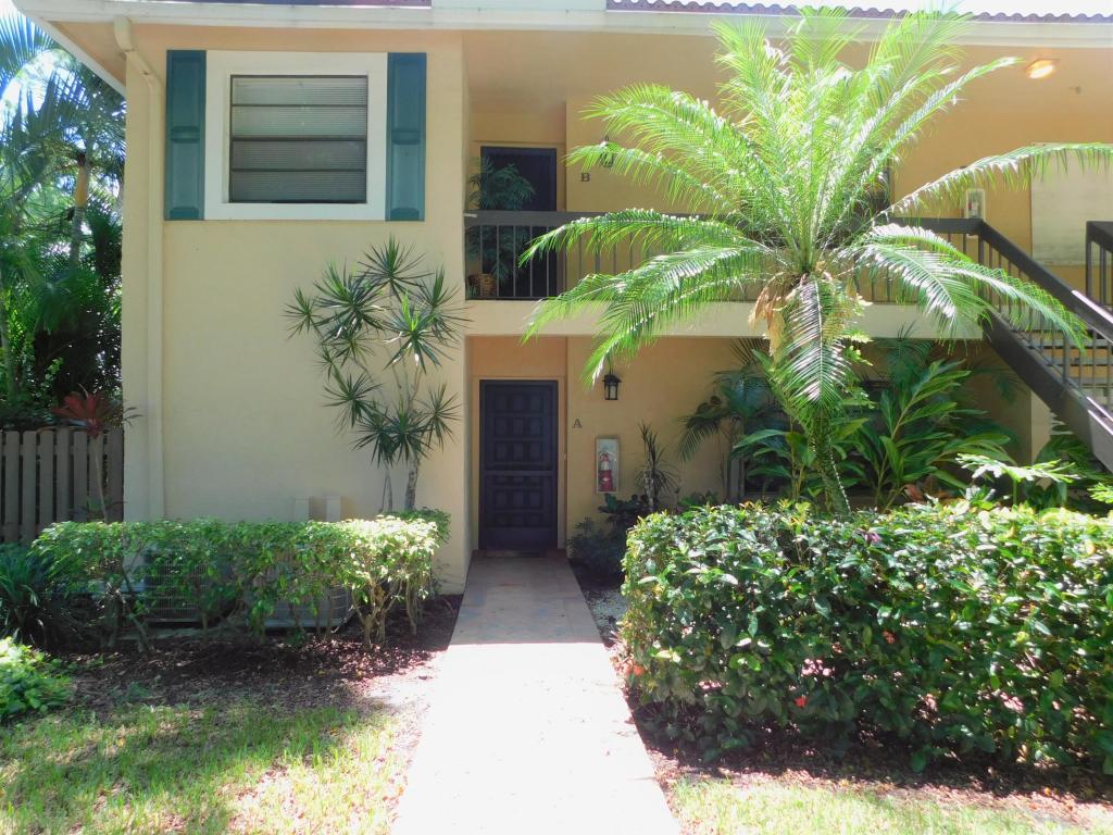 7 Southport Lane, Boynton Beach, FL 33436