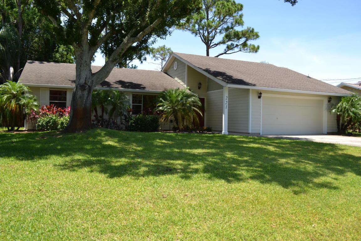 221 Sw Pisces Terrace, Port Saint Lucie, FL 34984