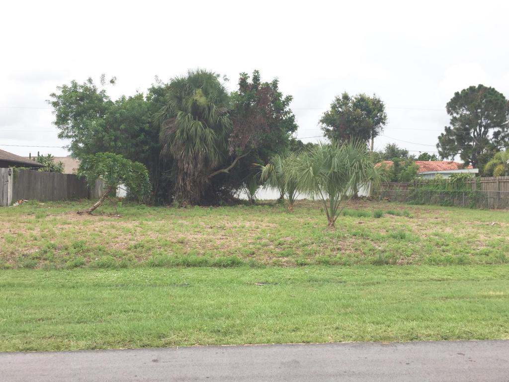2025 Sw Morelia Lane, Port Saint Lucie, FL 34953