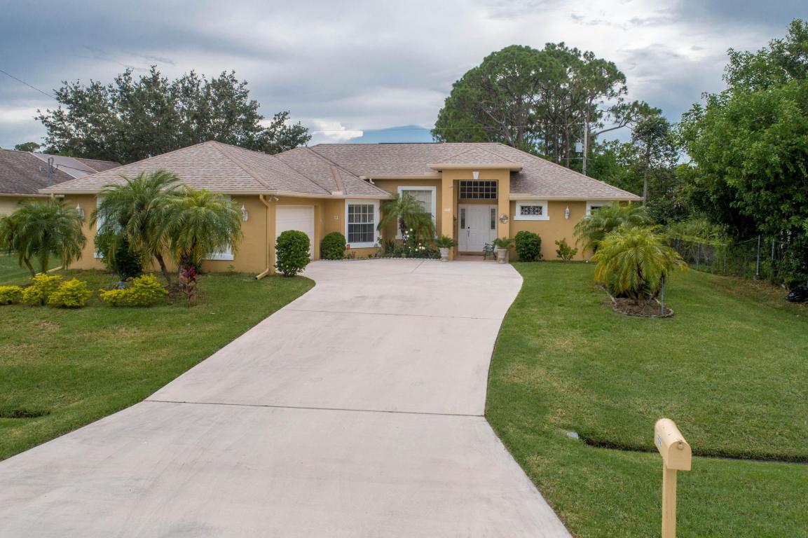 1618 Sw Day Street, Port Saint Lucie, FL 34953