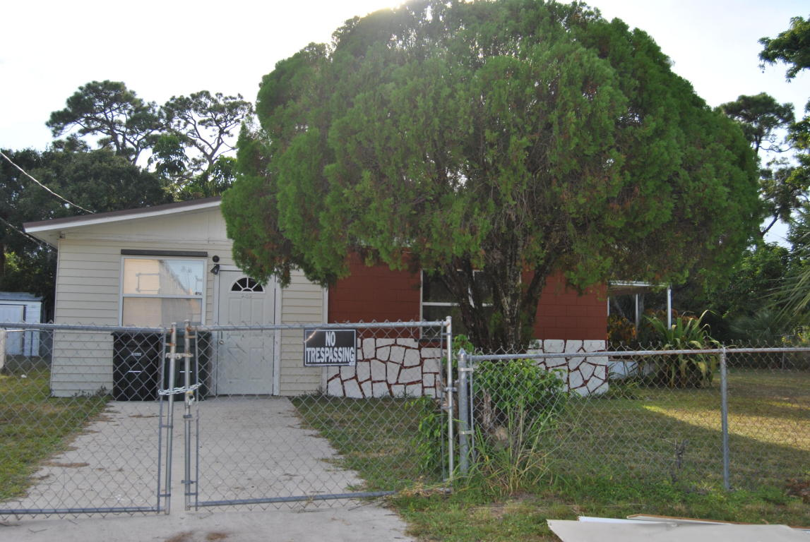 203 N 27th Street E, Fort Pierce, FL 34947