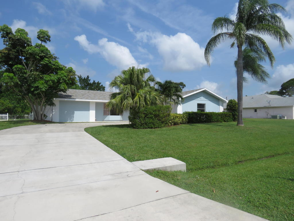 2162 Se Harding Street, Port Saint Lucie, FL 34952