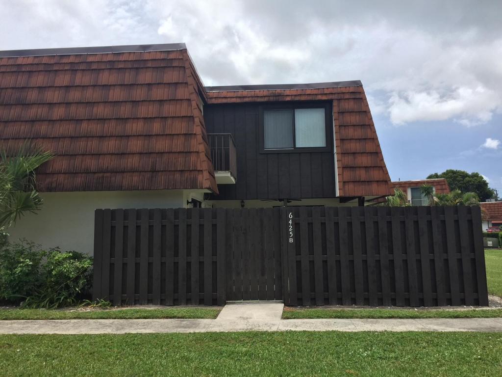 6425 Red Pine Lane, Greenacres, FL 33415