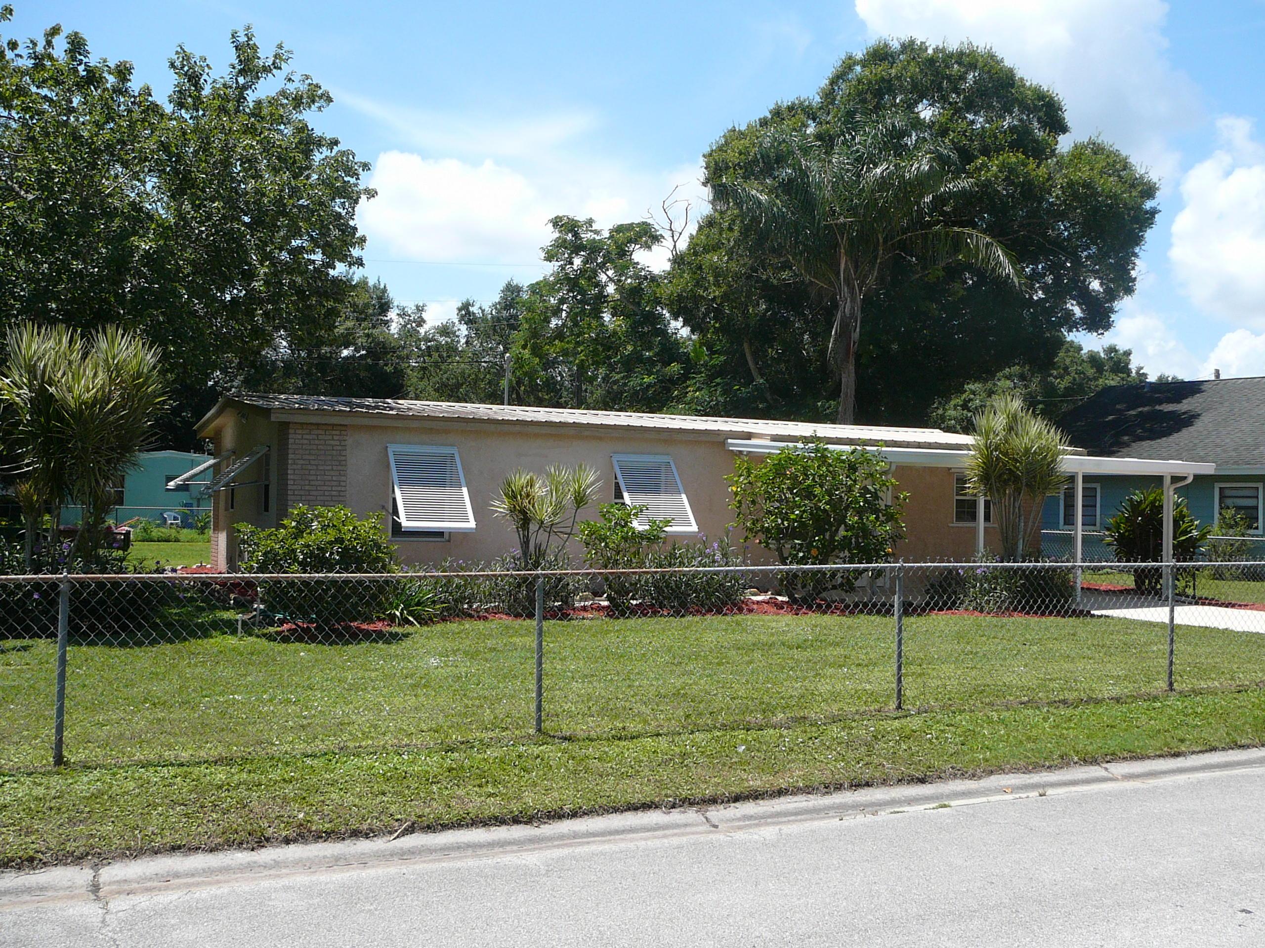 365 Borraclough Street, Fort Pierce, FL 34982