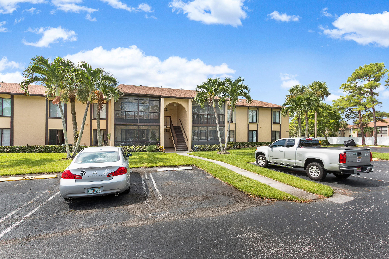 810 Sky Pine Way, Greenacres, FL 33415