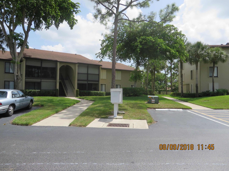702 Sunny Pine Way, Greenacres, FL 33415