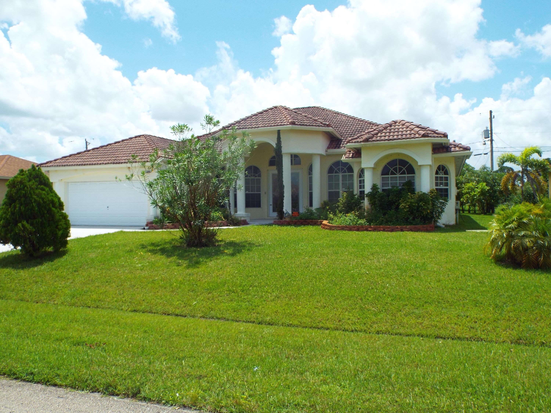 1544 Sw Santander Avenue, Fort Pierce, FL 34953