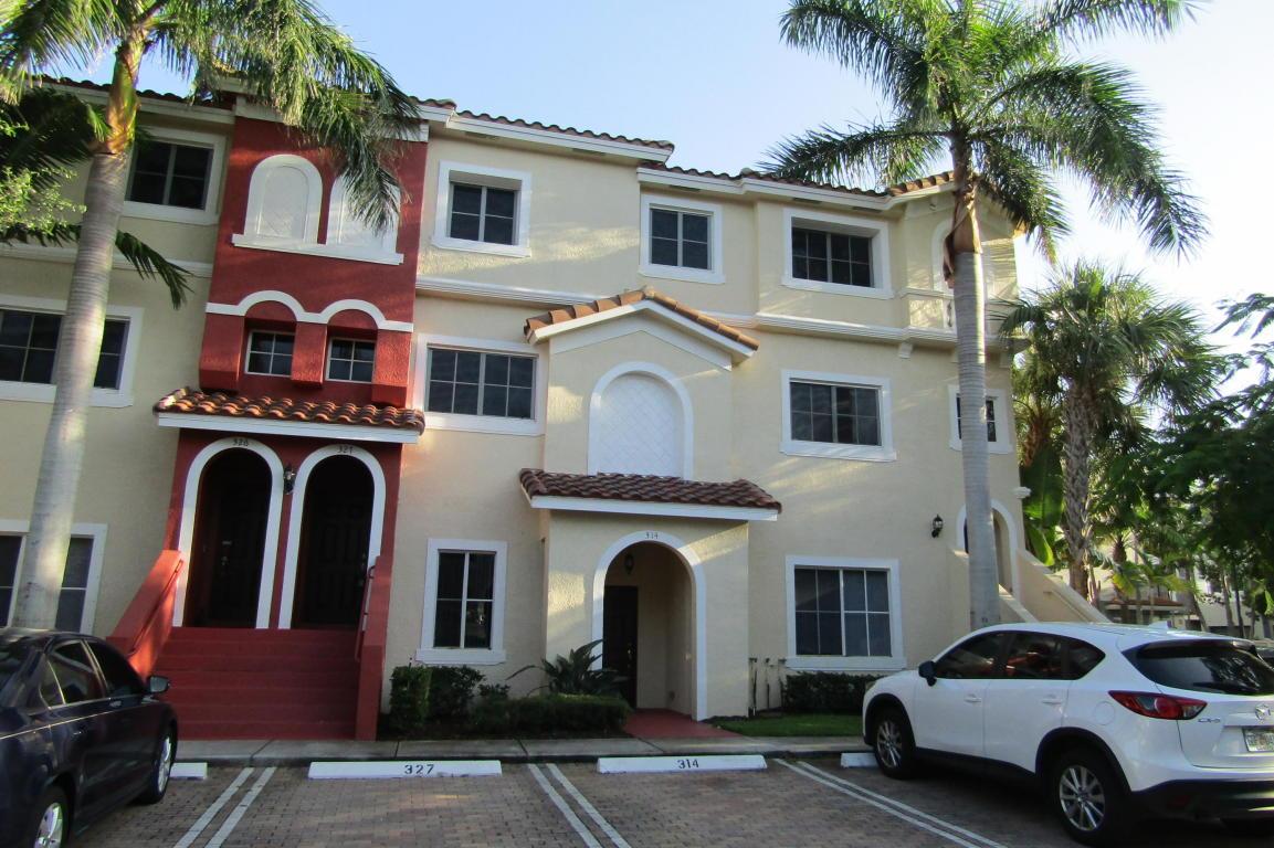 327 Bayfront Drive, Boynton Beach, FL 33435