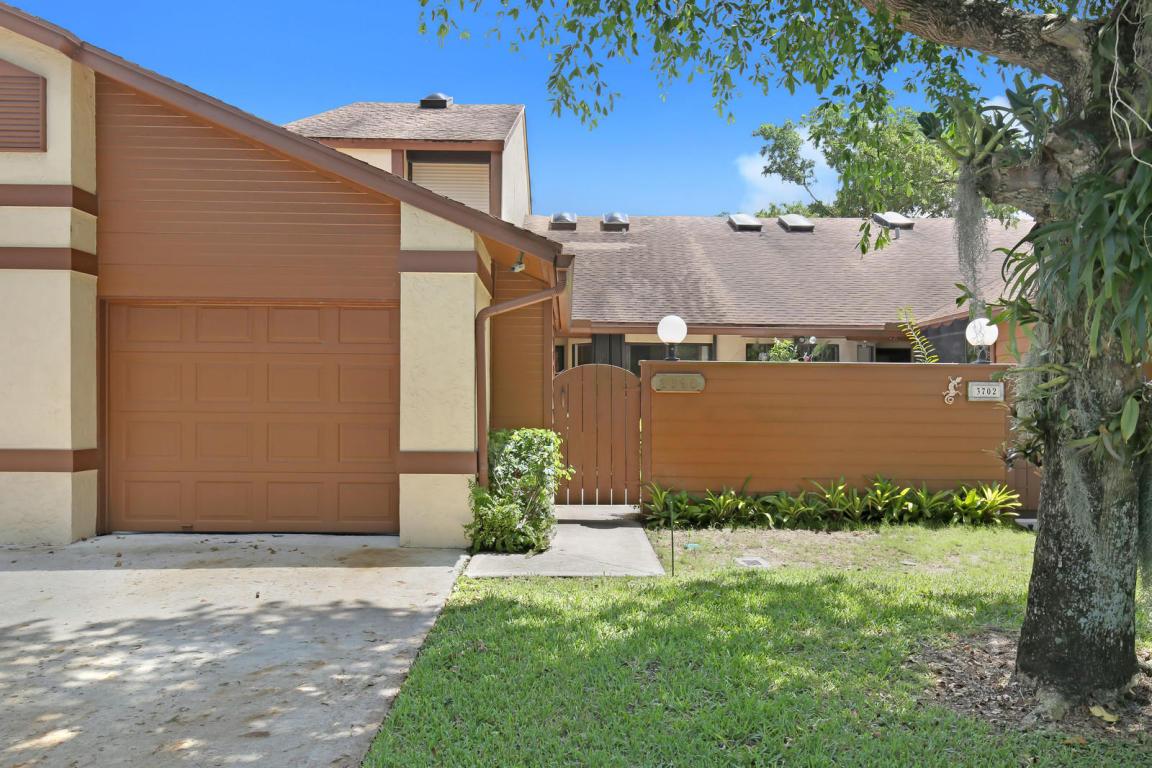 3696 Timberline Drive, West Palm Beach, FL 33406