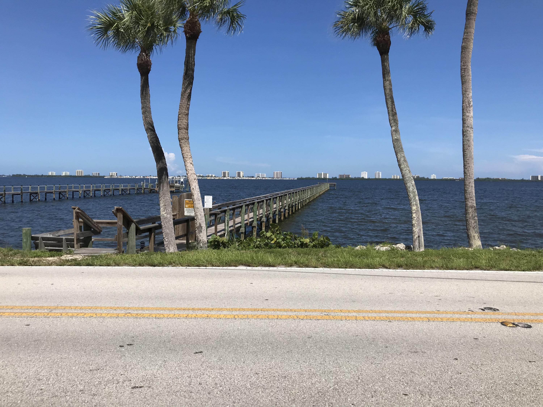 13519 S Indian River Drive, Jensen Beach, FL 34957