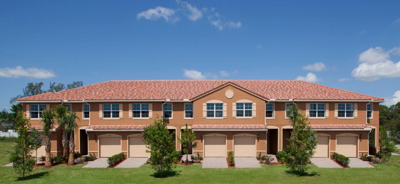 5754 Monterra Club Drive, Lake Worth, FL 33463