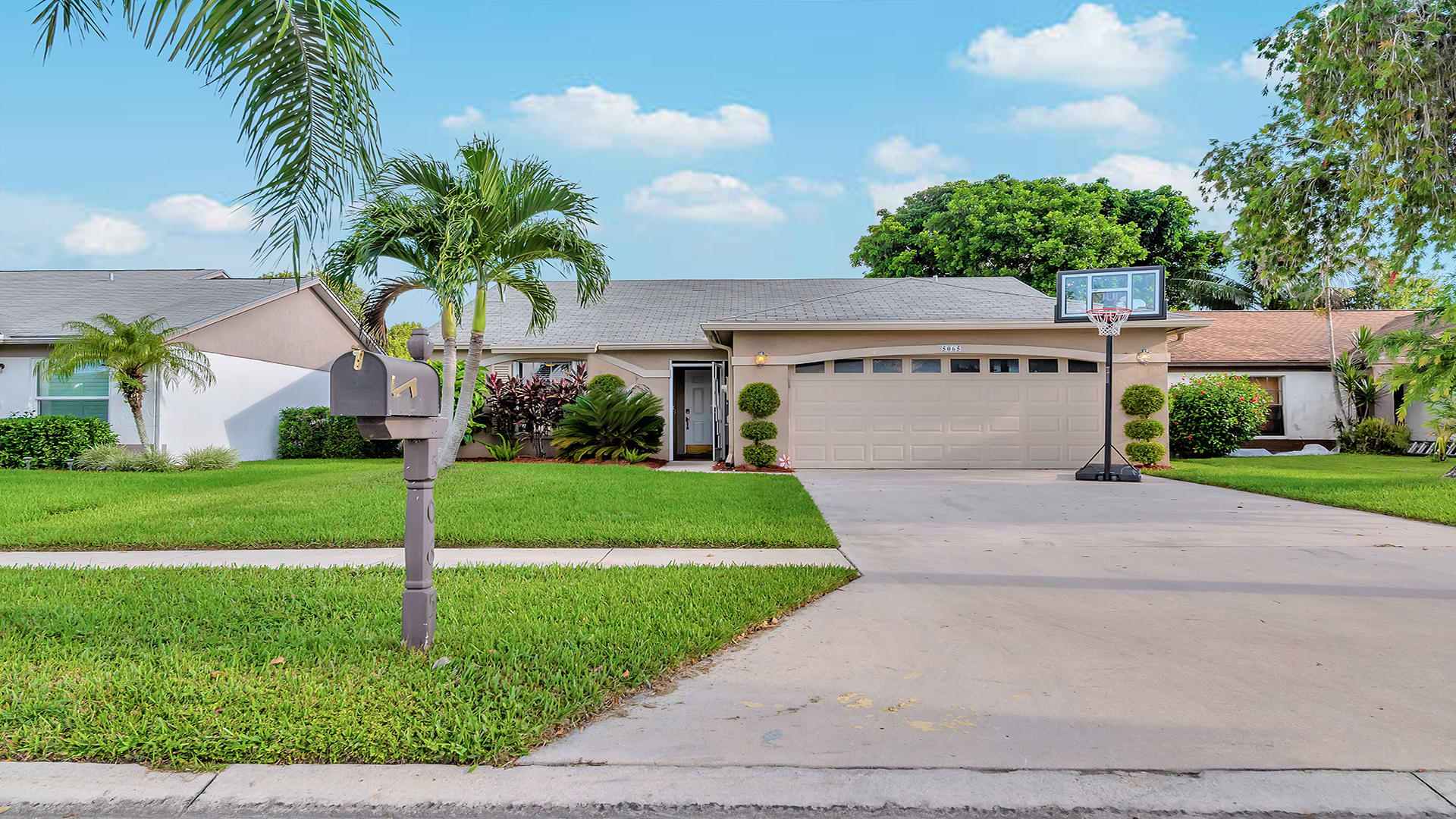 5065 Arbor Glen Circle, Lake Worth, FL 33463
