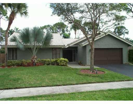 2672 Timbercreek Circle Nw, Boca Raton, FL 33431