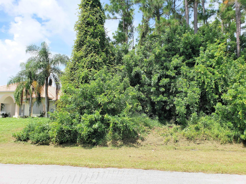 241 Se Twig Avenue, Port Saint Lucie, FL 34953