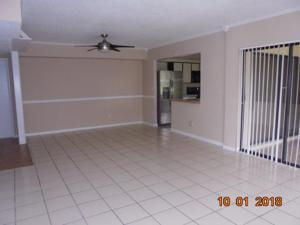 3215 S Lakeview Circle, Fort Pierce, FL 34949