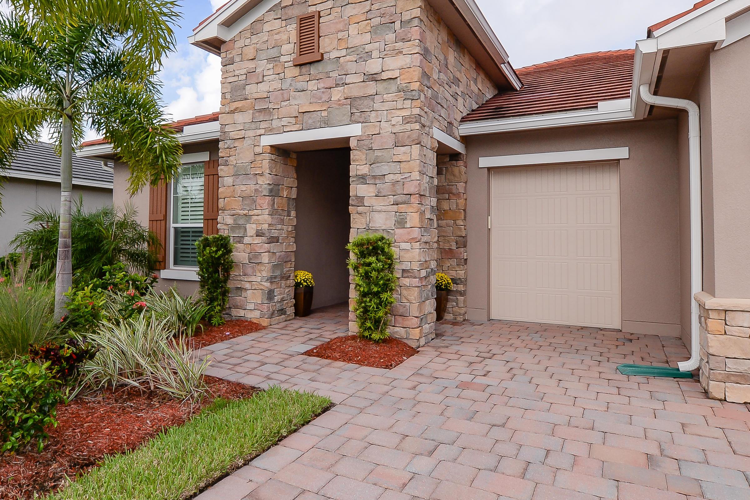 12134 Sw Bayberry Avenue, Port Saint Lucie, FL 34987