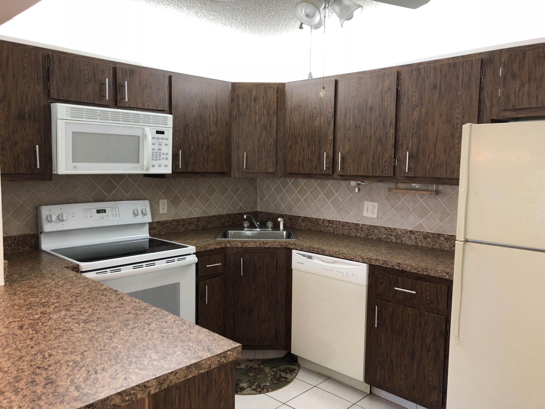 5960 Pine Cone Court, Greenacres, FL 33463