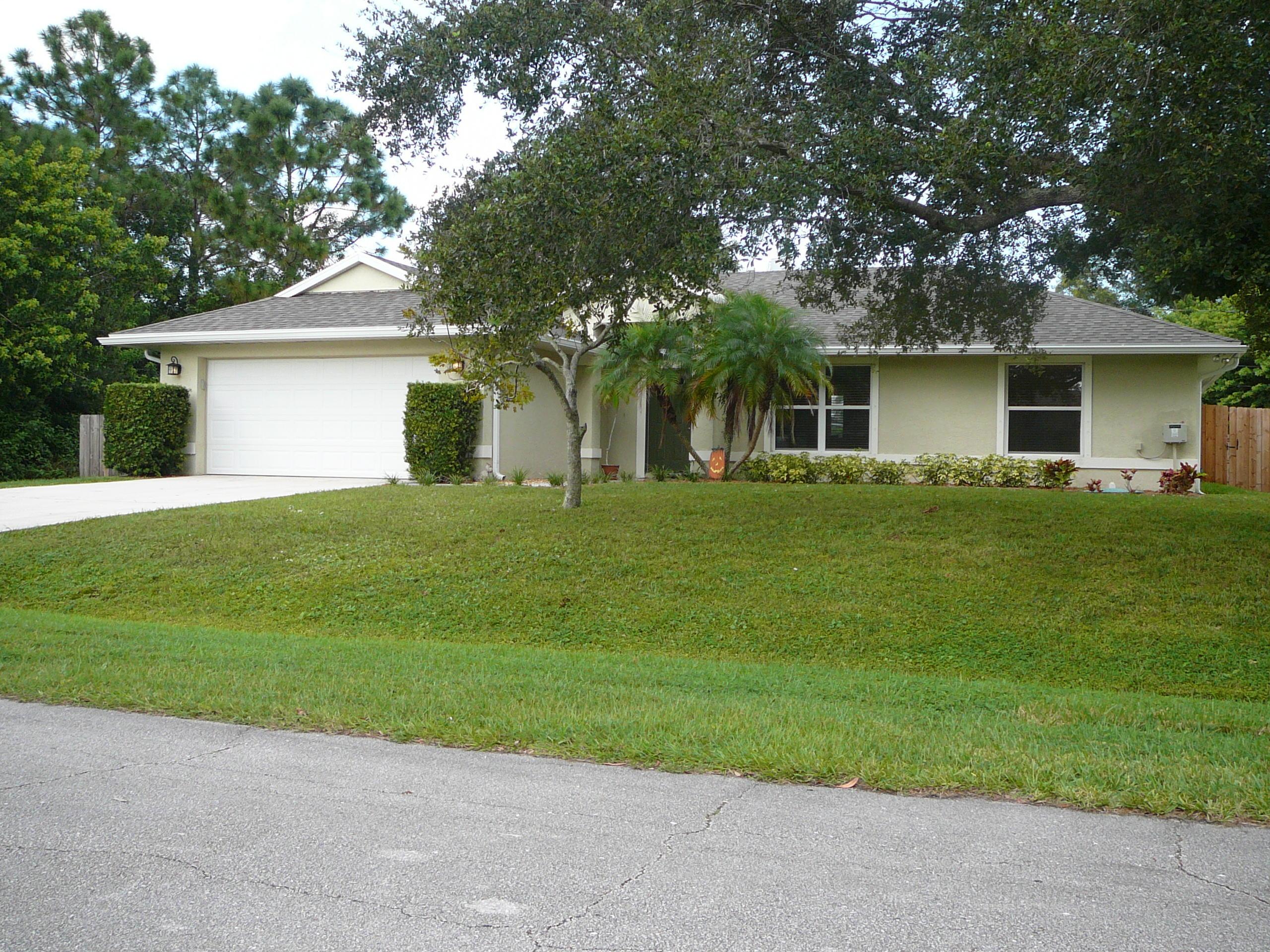 6860 Nw Dragon Street, Port Saint Lucie, FL 34983