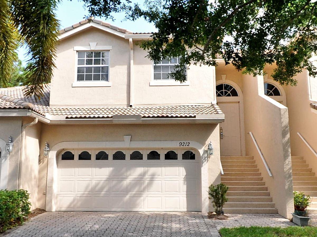 9212 Wentworth Lane, Port Saint Lucie, FL 34986