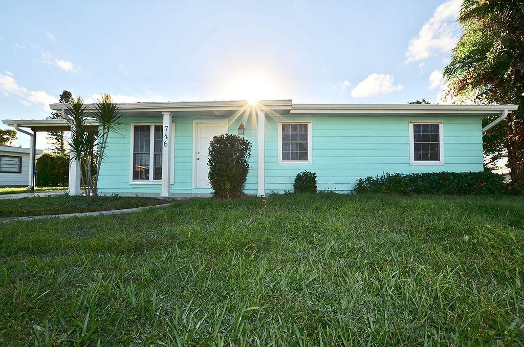 746 Altura Street, Port Saint Lucie, FL 34952