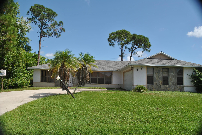 2073 Sw Aquarius Lane, Port Saint Lucie, FL 34984