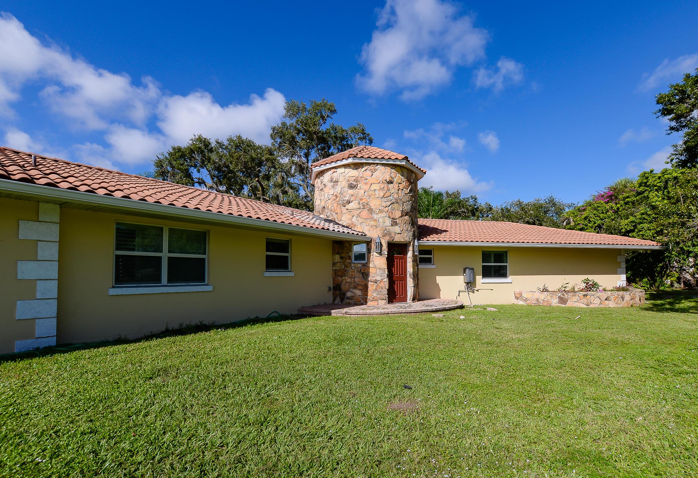 3781 S 25th Street, Fort Pierce, FL 34981