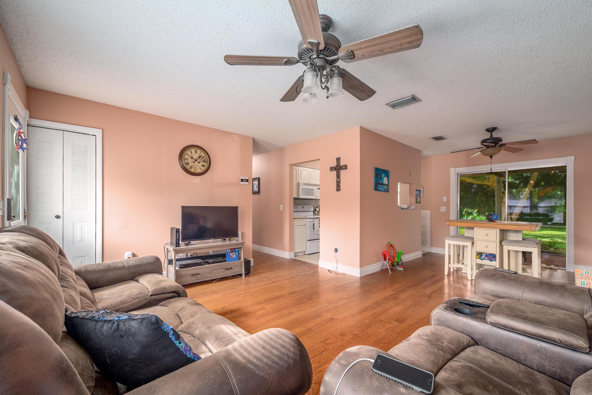 838 Sw Curtis Street, Port Saint Lucie, FL 34983
