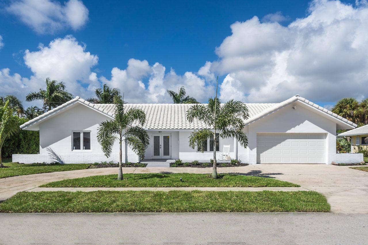 1227 Sw Tamarind Way, Boca Raton, FL 33486